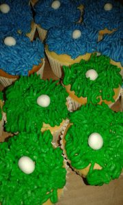 Cookie Monster cupcakes in green and blue